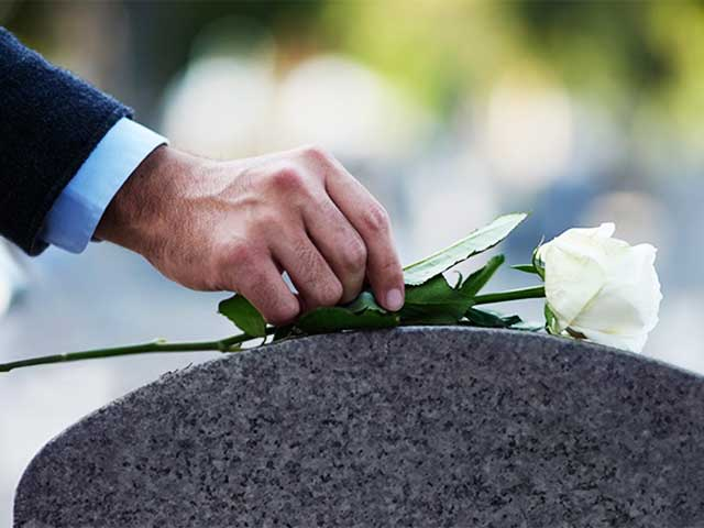 Here's Are Some Etiquettes To Follow At A Funeral