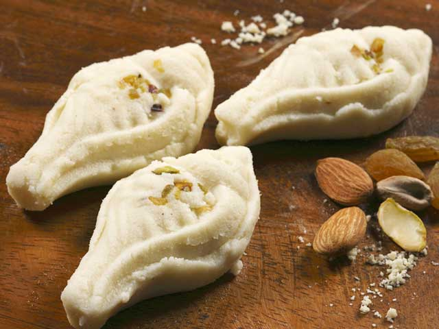 Lesser known Bengali Sweets that will make your heart go Udi Baba!