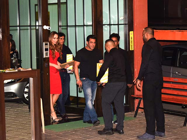 Salman Khan and Iulia Vantur spotted at Arpita Khan's Christmas Party