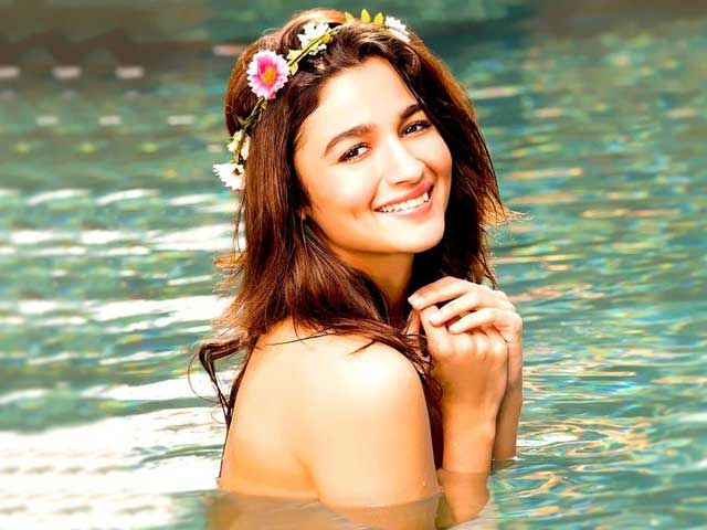 How Alia Bhatt Makes Work And Life Look Like A Lot Of Fun Through Her Posts And Pictures