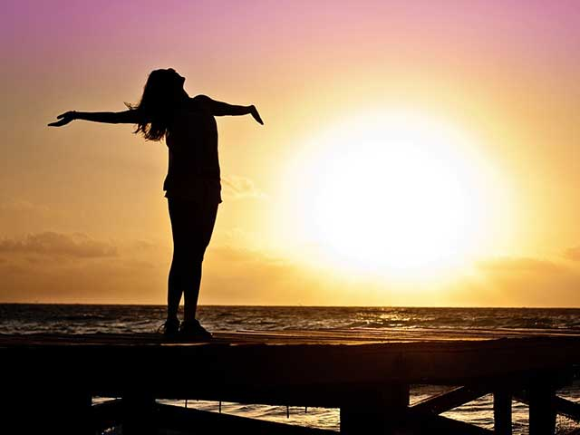 What's The Best Time Of The Day To Get Vitamin D From The Sun?