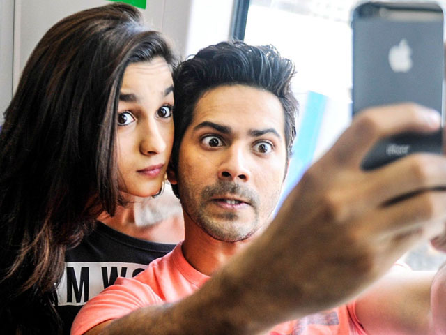 How To Click The Perfect Selfie With Your Partner