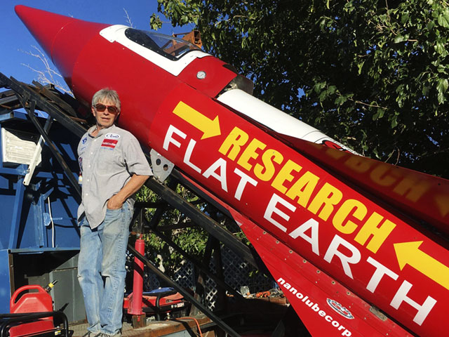 This rocket scientist taught himself how to fly off into the sky