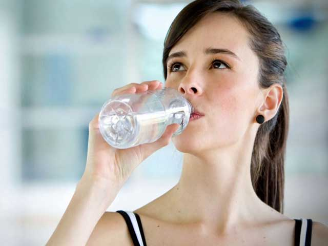 Drinking Water Helps You Stay Healthy, Here's How