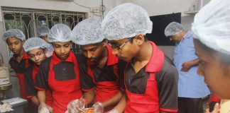 Have You Heard Of The Cafe Run By HIV Positive People In Kolkatta?