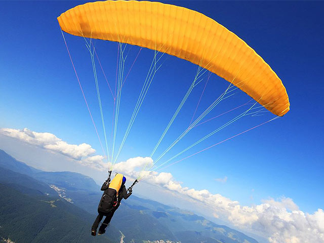 Amazing Places You Can Go For Paragliding In India