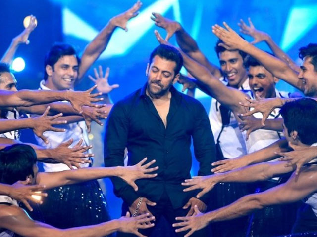 Why I Would Love To Watch A Male Actor Perform An Item Song?