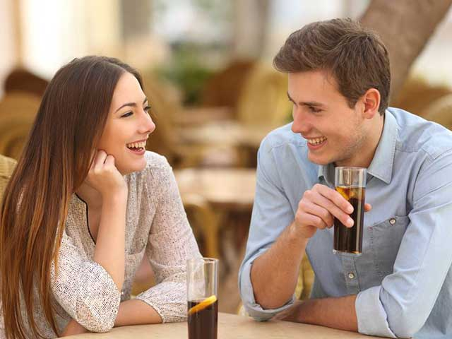 This Is What It Means If Your Date Doesn't Offer To Pay