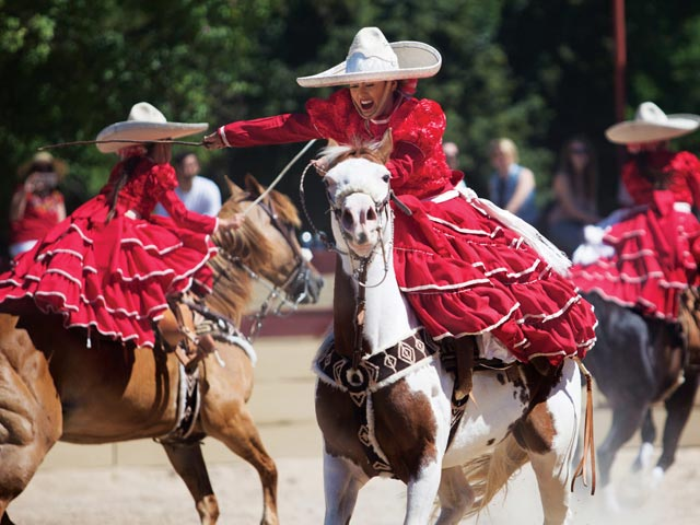 An Interesting Mexican Tradition Where Women Take The Reins