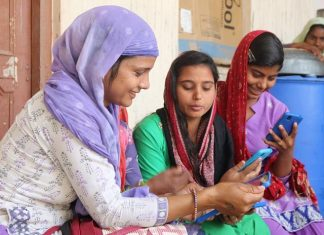 The Global Connection - Cheap Internet Empowering Women Of Rural India