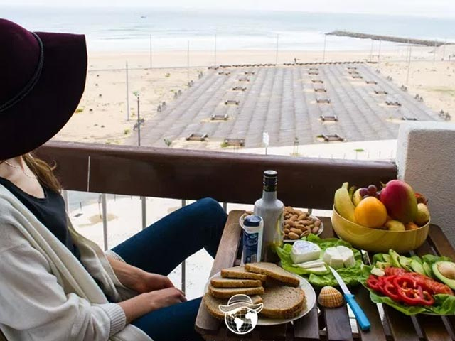 Here's How To Stay Healthy While Travelling