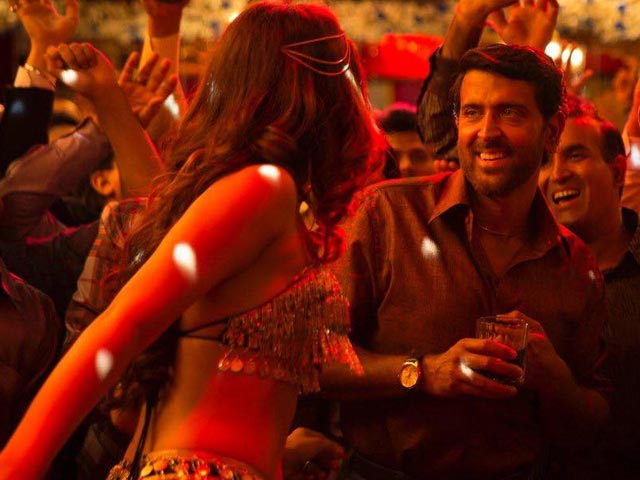 Super 30's New Song 'Paisa' Has Hrithik Dancing To The Tunes Of Money