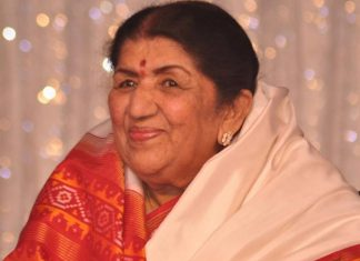 Lata Mangeshkar Asks MS Dhoni To Not Retire